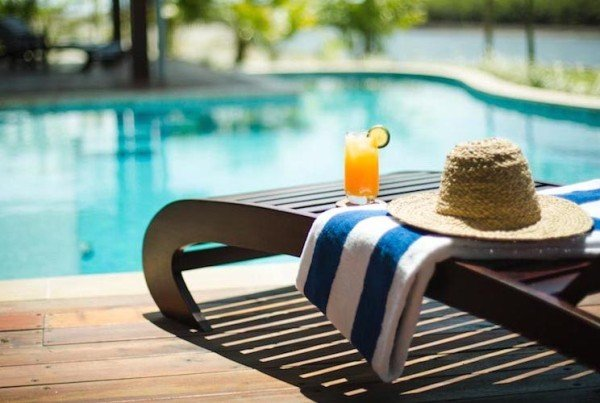 drink-by-the-pool